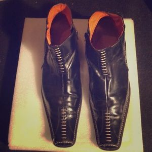 Robert Wayne dress boots